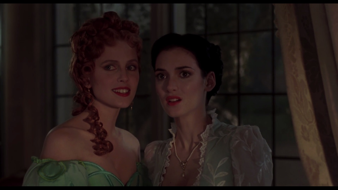 mina and lucy in dracula When lucy finally admitted her true feelings, mina was repulsed although subsequent episode promos teased scenes between lucy and lady jayne wetherby, lady jayne only gave lessons on love to the devastated lucy in order to manipulate her and convince her to seduce mina's fiance jonathan harker, a journalist desperate to climb.